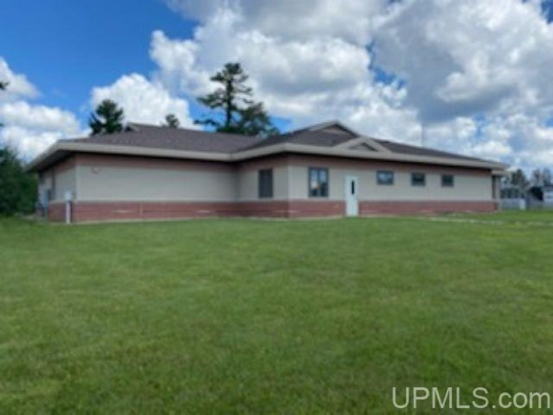 2002 Minneapolis St, Gladstone, MI by Re/Max 1st Realty $695,000