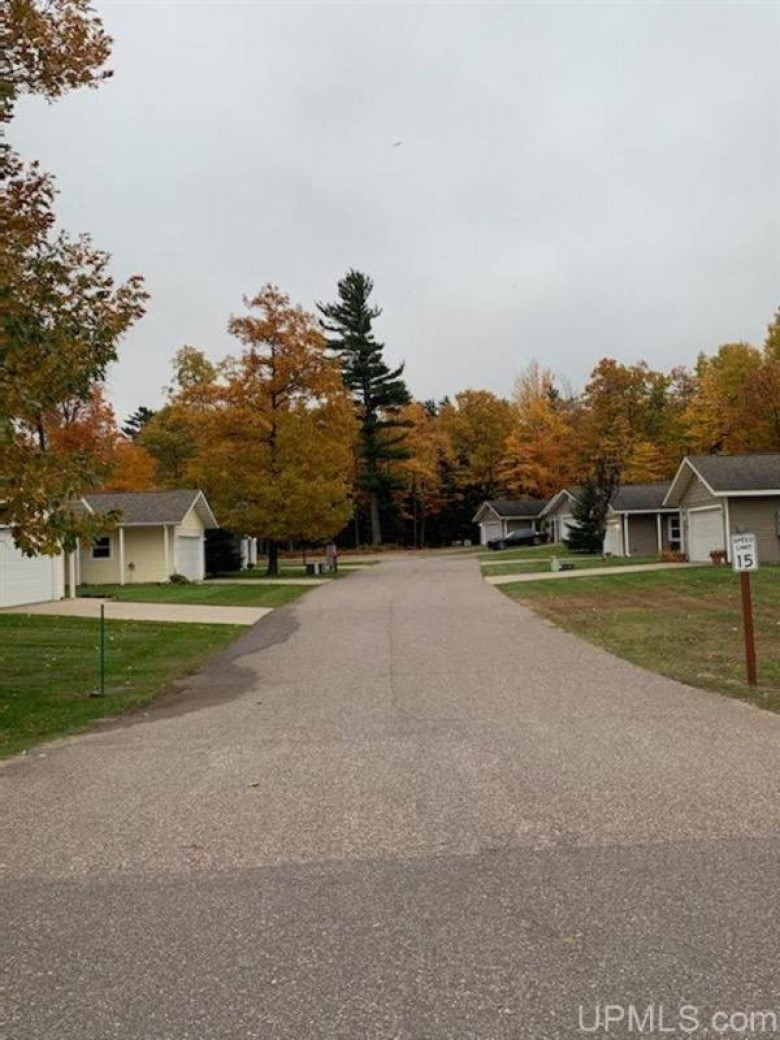 TBD Forest Ridge Dr, Marquette, MI by Select Realty $195,000