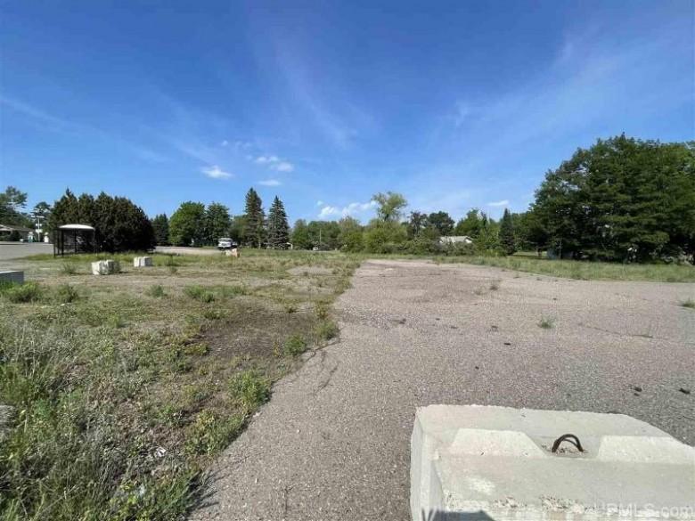 3061 S Us41, Marquette, MI by Coldwell Banker Schmidt Realtors $425,000