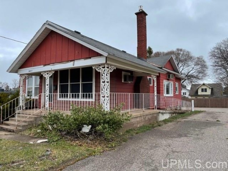 1208 N Third St, Marquette, MI by Select Realty $399,000