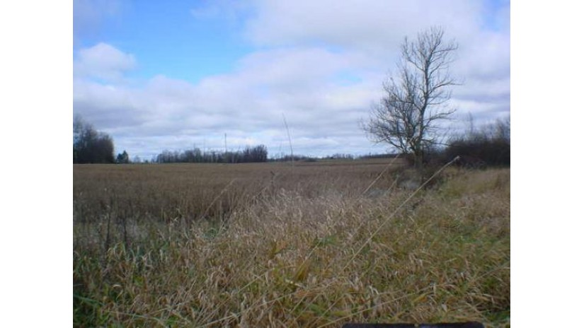 N5753 Valley Rd Washington, WI 54111-9434 by Re/Max North Winds Realty, Llc $275,000