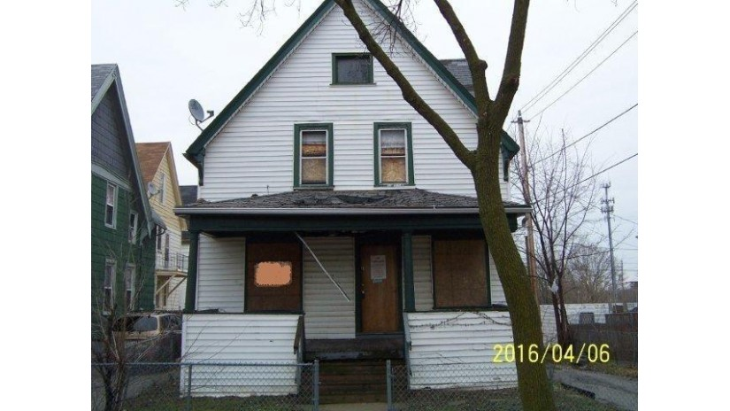 1644 N 32nd St Milwaukee, WI 53208-2040 by Kapital Real Estate $3,000