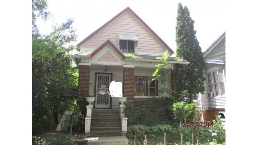 2845 N 16th St Milwaukee, WI 53206-2127 by Realty One Group Kapital $2,500