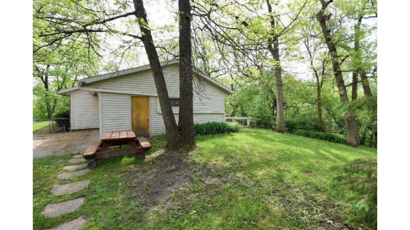 4027 Cardinal Ln Delavan, WI 53115 by Realty Executives - Integrity $259,900
