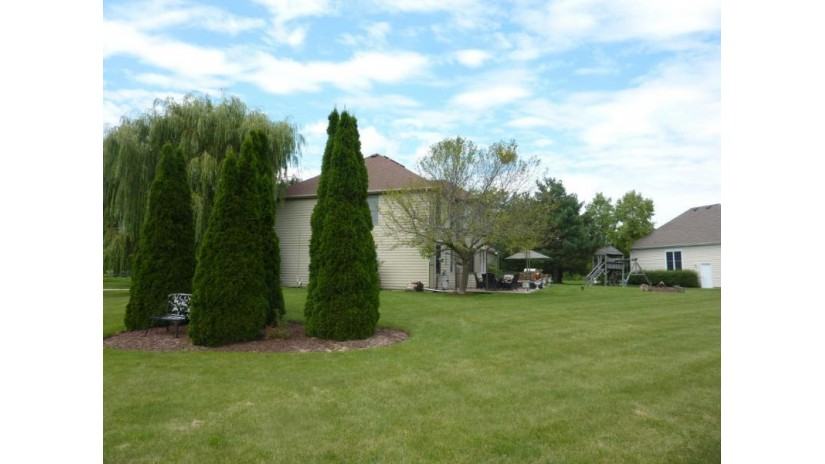 23805 111TH ST Salem, WI 53179-9568 by Redefined Realty Advisors Llc $449,900