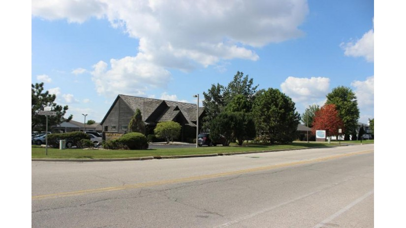 1139 S Sunnyslope Dr Mount Pleasant, WI 53406-3998 by First Weber Inc- Racine $10