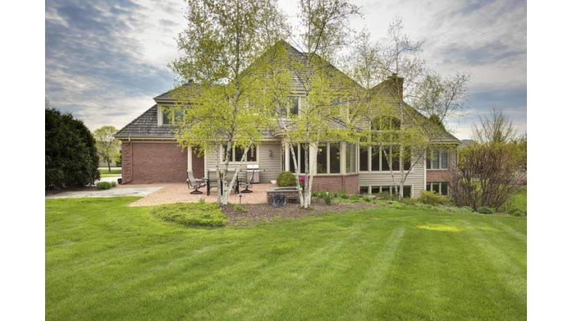 11414 N Justin Dr Mequon, WI 53092-2784 by Coldwell Banker Residential Brokerage $1,025,000