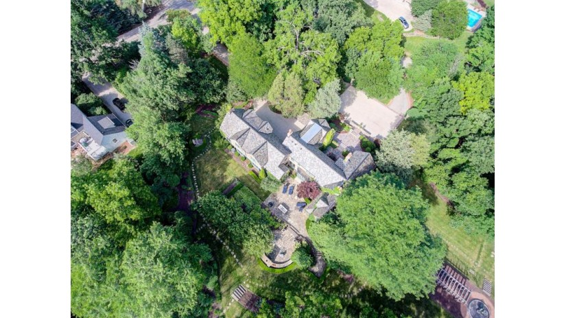 14225 Juneau Blvd Elm Grove, WI 53122-1664 by Mahler Sotheby'S International Realty $2,775,000