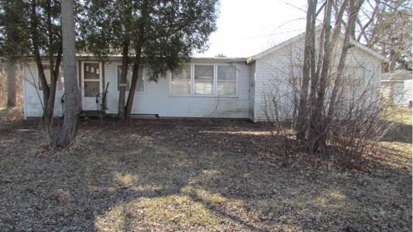 W1227 Arbutus Rd Bloomfield, WI 53128-1765 by Bear Realty, Inc $85,000