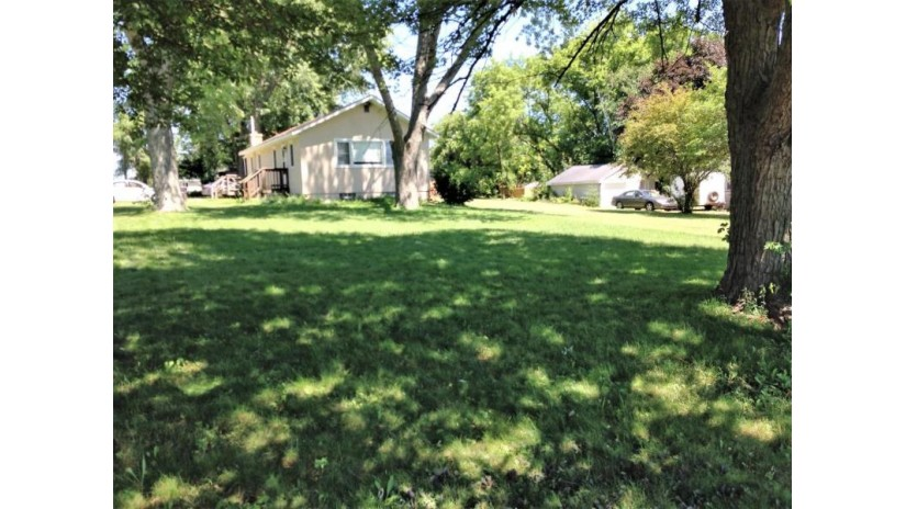 19565 103rd St Bristol, WI 53104-9628 by New Era Realty, Inc. $165,000