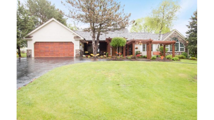 1727 Geneva National Ave W 05-19 Geneva, WI 53147-4808 by Keefe Real Estate-Commerce Ctr $499,999