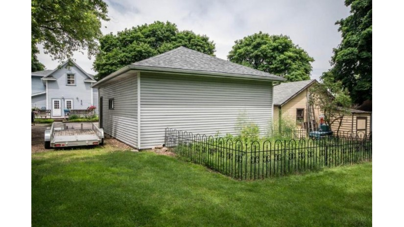 305 E Sumner St Hartford, WI 53027-1529 by Victory Realty Elite $230,000