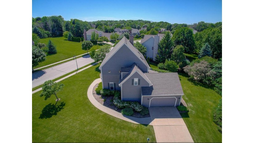 518 Cottonwood Ln Grafton, WI 53024 by Powers Realty Group $497,500