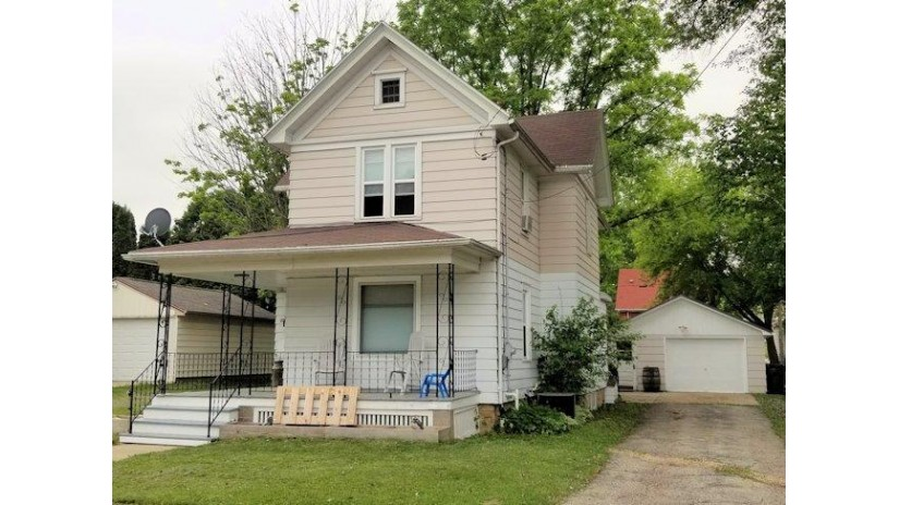 233 Grove St Mayville, WI 53050-1118 by Coldwell Banker The Real Estate Group $129,000