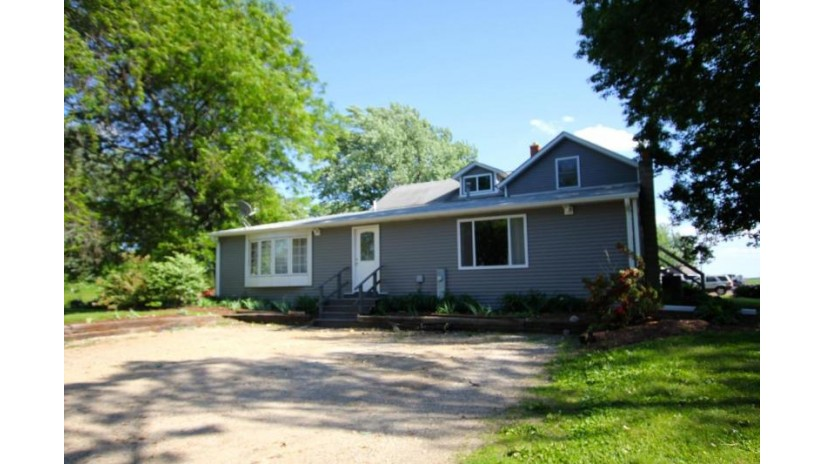 W3705 Loveland Rd Geneva, WI 53121-4364 by Coldwell Banker The Real Estate Group $434,900