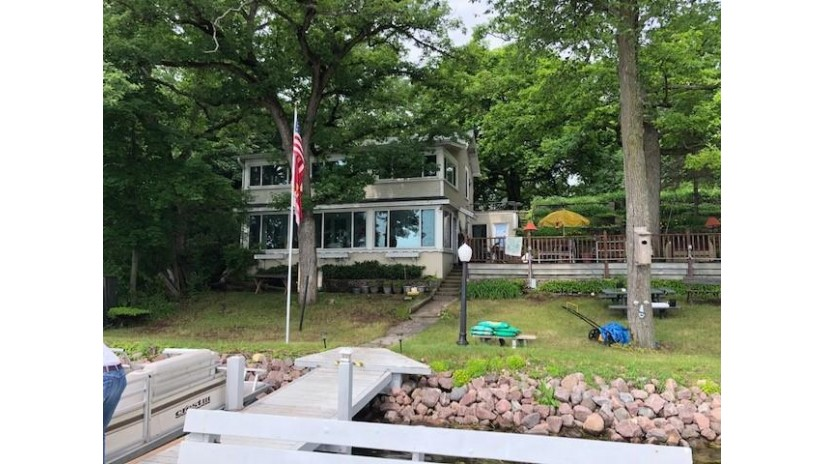 W305S10489 Travers Island Eagle, WI 53119 by Berkshire Hathaway Homeservices Metro Realty $285,000