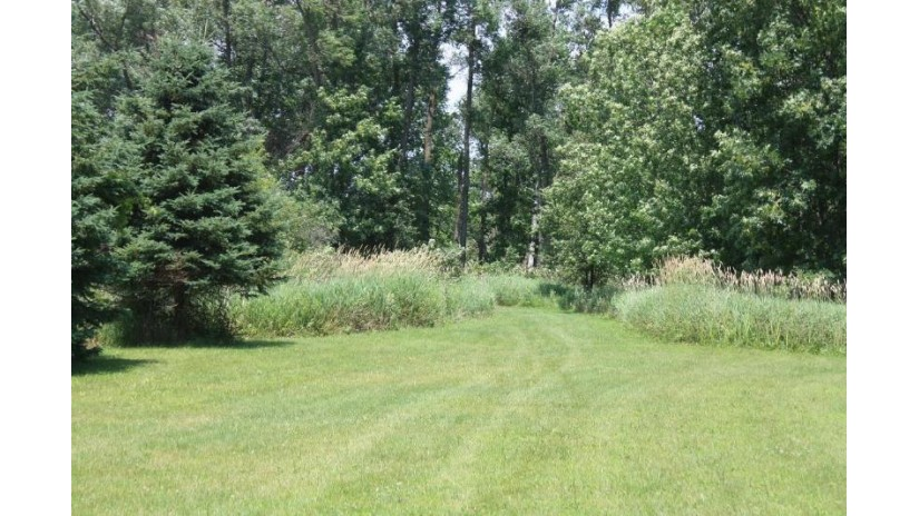 1760 Galway Rd Erin, WI 53027-8879 by Re/Max United - West Bend $409,000