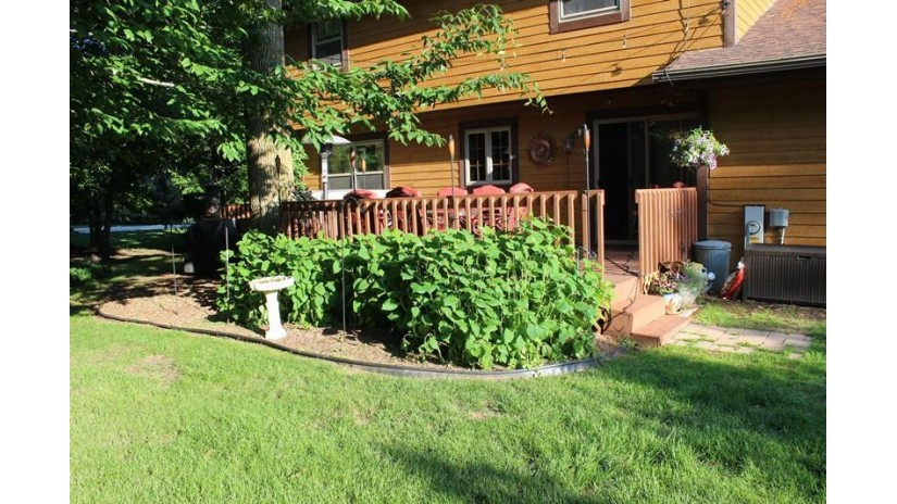 6333 S 18th St Wilson, WI 53081-9407 by Re/Max Universal $289,900