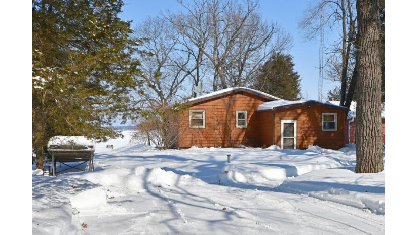 W6486 Lakeview Dr N Marquette, WI 53946-7939 by Emmer Real Estate Group $249,900