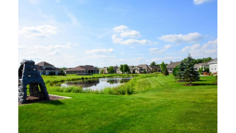 9069 S Cordgrass Circle E Franklin, WI 53132-7205 by Revolution Realty, Llc. $314,900