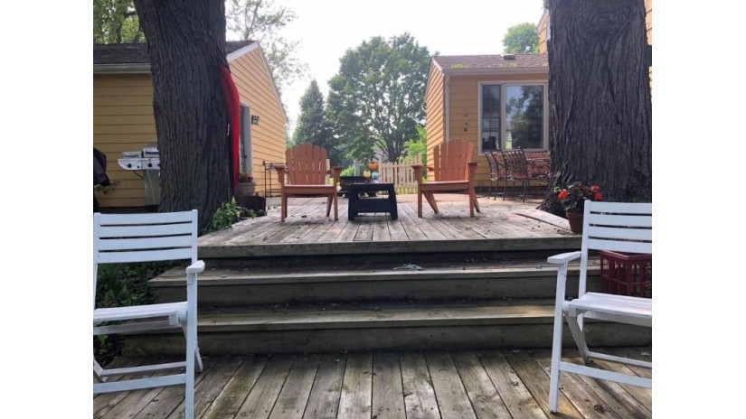 3319 S Dayfield Ave Milwaukee, WI 53207-3111 by Homebuyers Advantage $179,500
