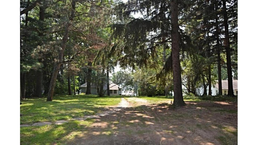 607 Illinois Ave D Green Lake, WI 54941-9750 by Emmer Real Estate Group $649,900