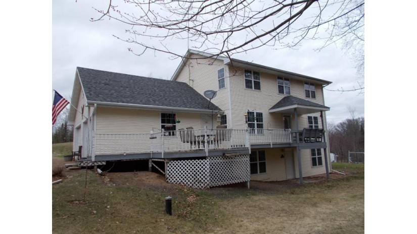 W14180 Oakwood Hills Dr Silver Cliff, WI 54104 by Broadway Real Estate $220,000