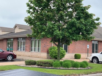 116 N Dodge St, Burlington, WI 53105-1963