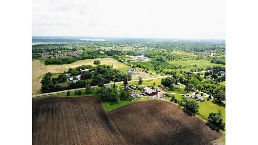W4468 Palmer Rd Geneva, WI 53147 by Century 21 Affiliated $1,700,000