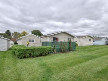 532 Harbor Heights Dr, Waterford, WI 53185