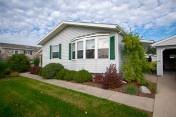 532 Mayflower Dr, Waterford, WI 53185