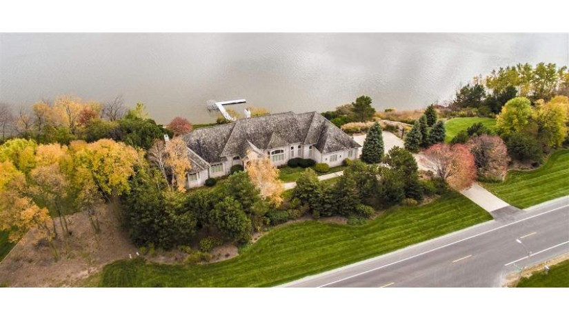 2387 LOST DAUPHIN Road Lawrence, WI 54115-9165 by Resource One Realty, LLC $2,695,000