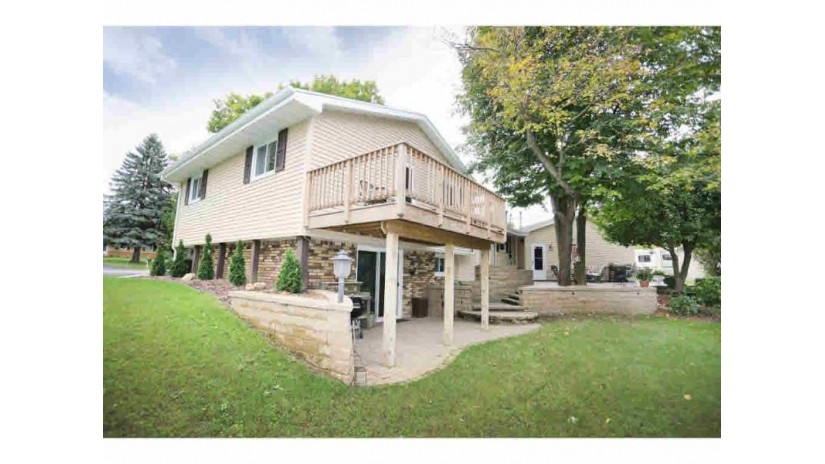 600 HARVARD Neenah, WI 54956-3512 by Coldwell Banker The Real Estate Group $244,900