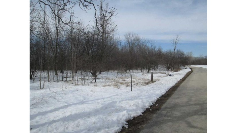 LEDGE CREST Road Rockland, WI 54115 by Mark D Olejniczak Realty, Inc. $399,900
