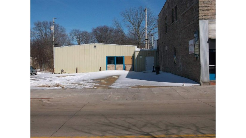 644 N MAIN Street Oshkosh, WI 54901-4443 by First Weber Group $249,000