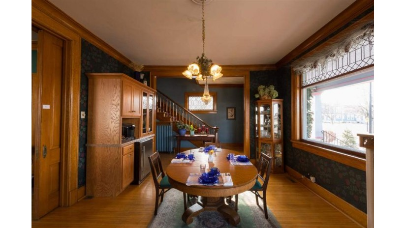 637 S MONROE Avenue Green Bay, WI 54301-3614 by Real Living Bay Realtors, Inc. $449,900