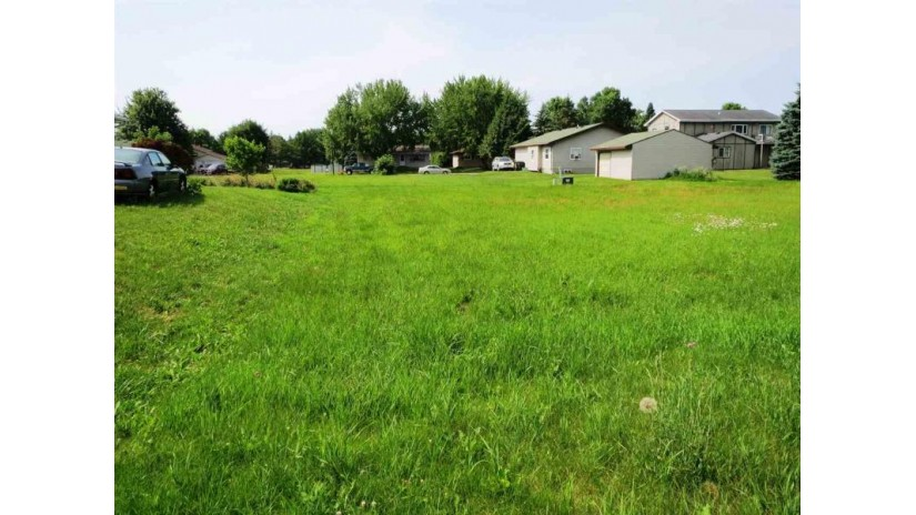 521 OAK RIDGE Lane New London, WI 54961 by Coldwell Banker The Real Estate Group $9,999