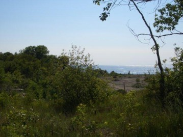 BAY SHORE HEIGHTS Drive, Sevastopol, WI 54235
