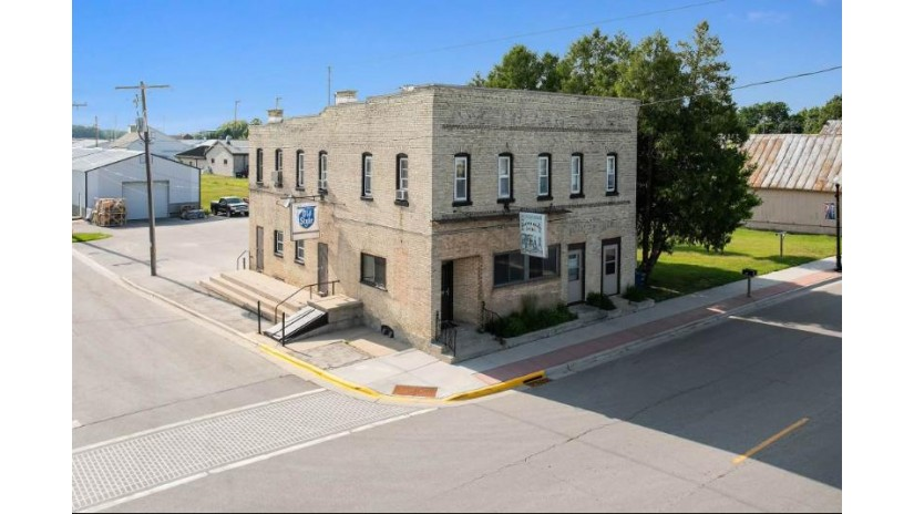 831 MAIN Street Luxemburg, WI 54217-1141 by Shorewest Realtors $225,000