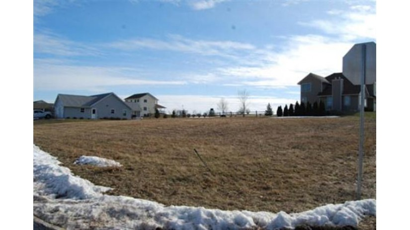 L21 Huntington Park Dr Reedsburg, WI 53959 by Re/Max Preferred $32,300