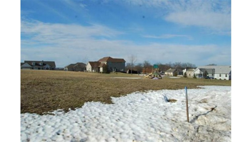 L43 Sienna Ct Reedsburg, WI 53959 by Re/Max Preferred $33,200