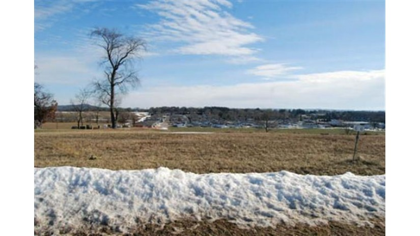 L83 Eastridge Cir Reedsburg, WI 53959 by Re/Max Preferred $25,500