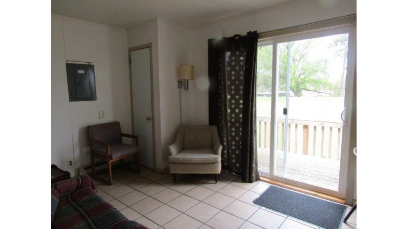 W913 W North Shore Dr 10 Mecan, WI 53949 by Re/Max Connections $62,500