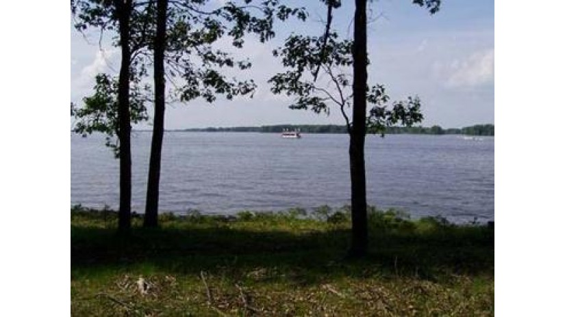 N8122 Bailey'S Blvd Germantown, WI 53950 by Wisconsinlakefront.com, Llc $250,000