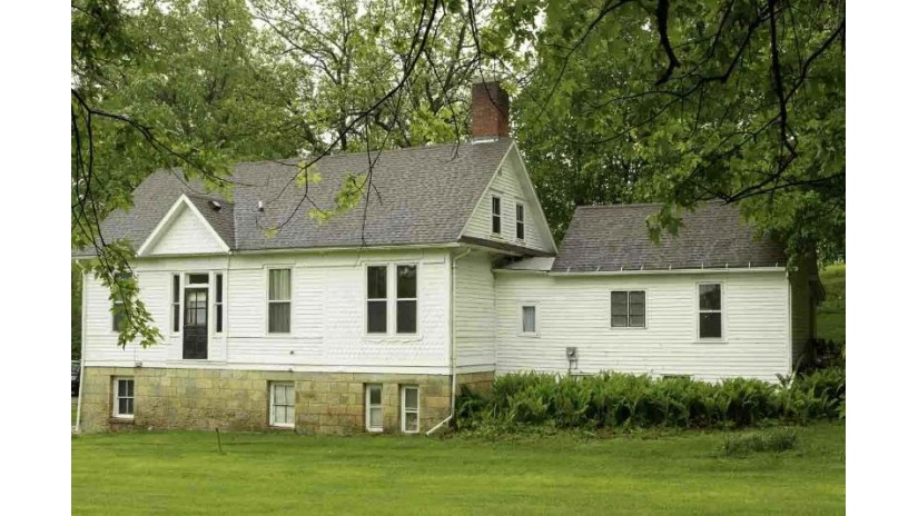 270 Shakerag St Mineral Point, WI 53565 by First Weber Inc $285,000