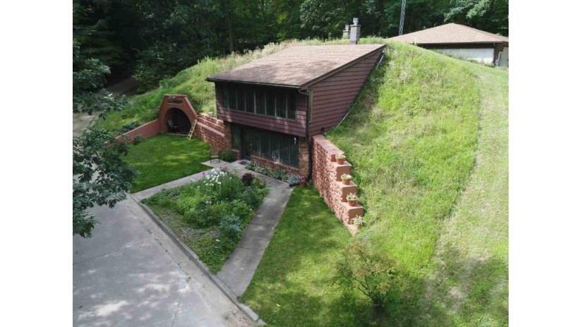 E4311a Cemetery Rd Ironton, WI 53959 by Evergreen Realty Inc $329,900