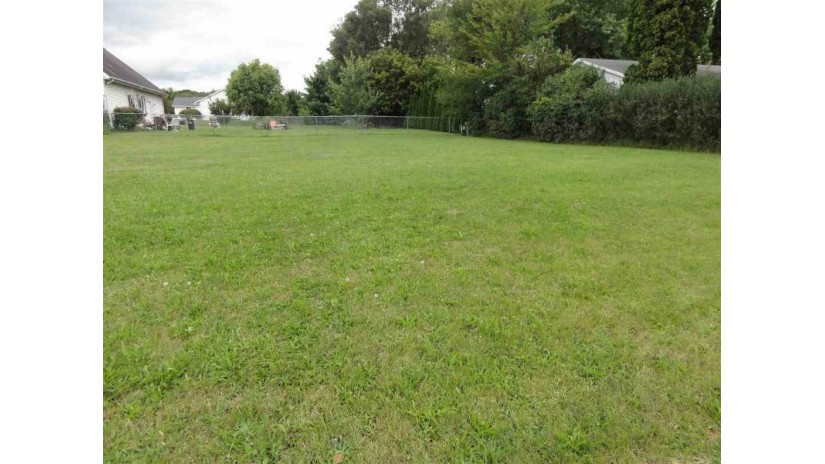 2101 Roosevelt Ave Beloit, WI 53511 by Century 21 Affiliated $12,000