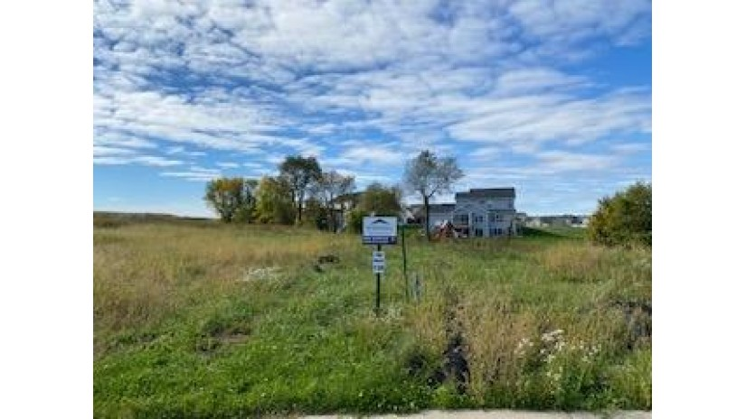4040 Taunton Rd Windsor, WI 53598 by First Weber Inc $95,900