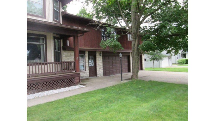 905 N 2nd St Platteville, WI 53818 by Clayton Real Estate-Platteville $249,900