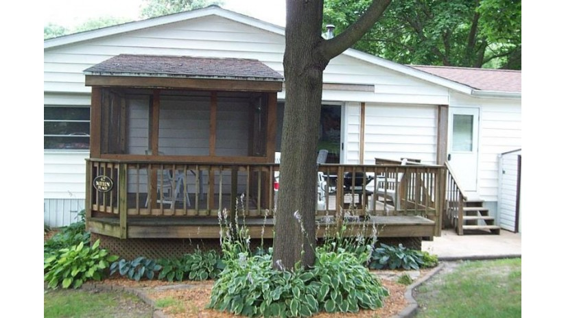 W1325 Spring Grove Rd 47 Green Lake, WI 54971 by Karsten Real Estate $135,000